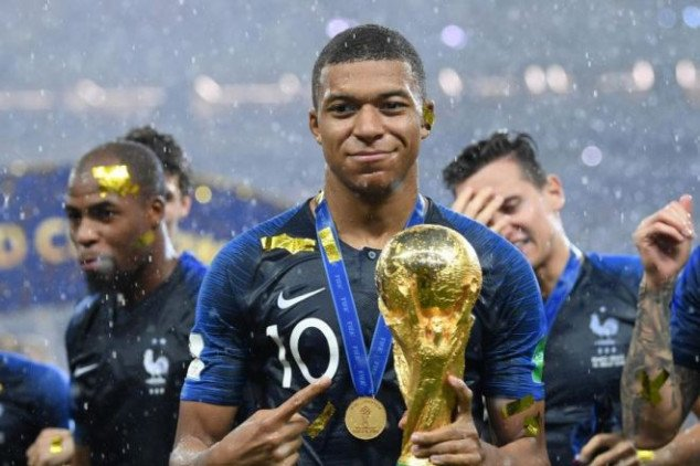 Mbappe ends Messi-CR7 debate with cheeky response