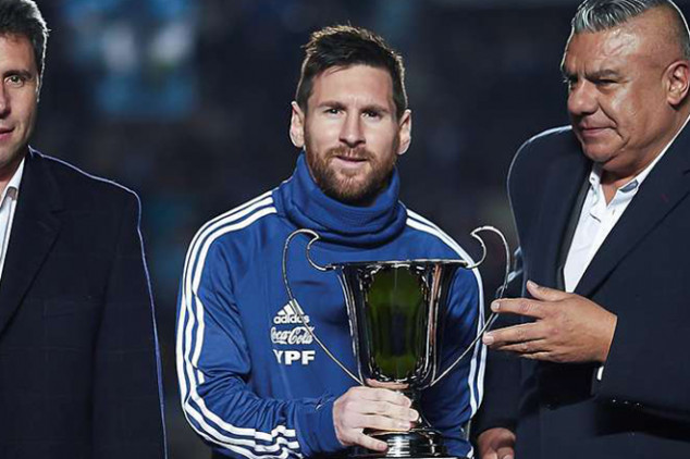 Can Messi end wait for international trophy?