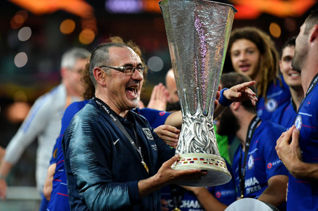Former Chelsea boss tipped to replace Sarri