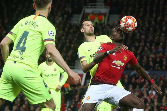Man Utd eyeing move for Barca duo