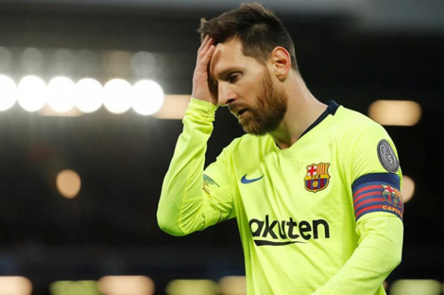 Ex-Man Utd manager hits out at Messi