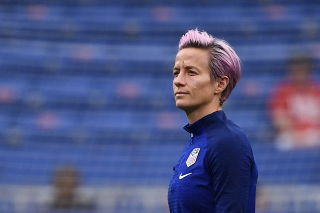 Twitter reacts to Rapinoe's omission vs England