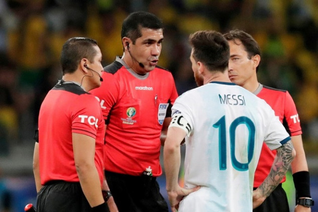 Ecuador ref shares his truth on VAR controversy