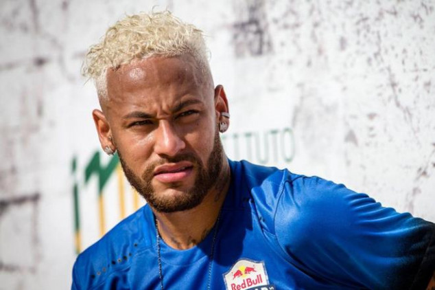 Neymar fuels feud with PSG with social media video