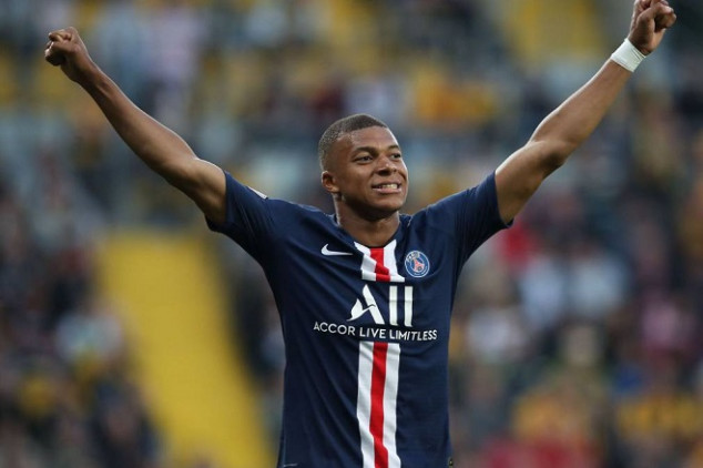 PSG set to offer massive wage increase to Mbappé