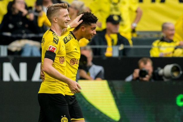 Dortmund to double Man Utd transfer target's wages