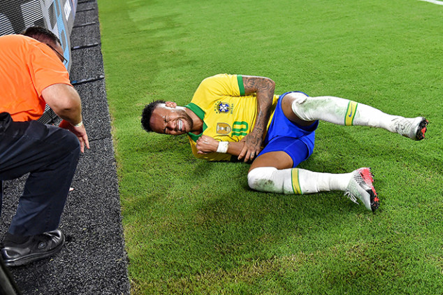 Neymar crashes into ad board after awful tackle