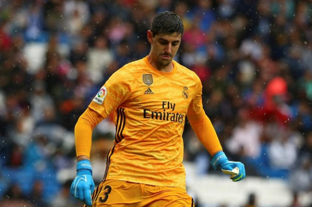 Courtois 'aims dig' at Hazard in his debut
