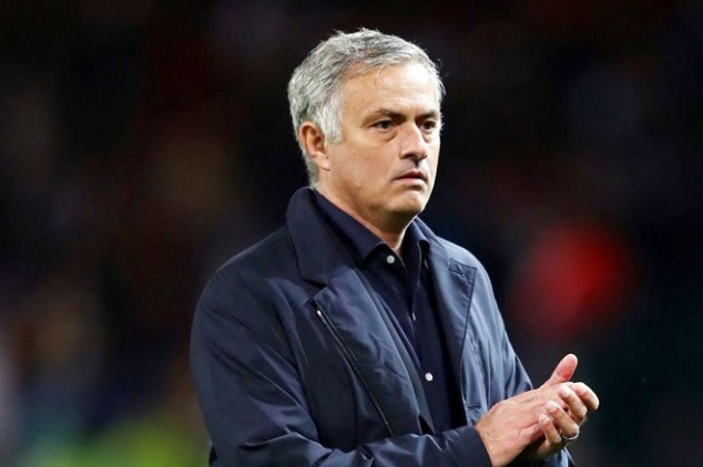 Mourinho named as Emery's potential replacement