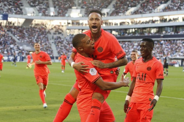 Neymar jokes about his relationship with PSG fans
