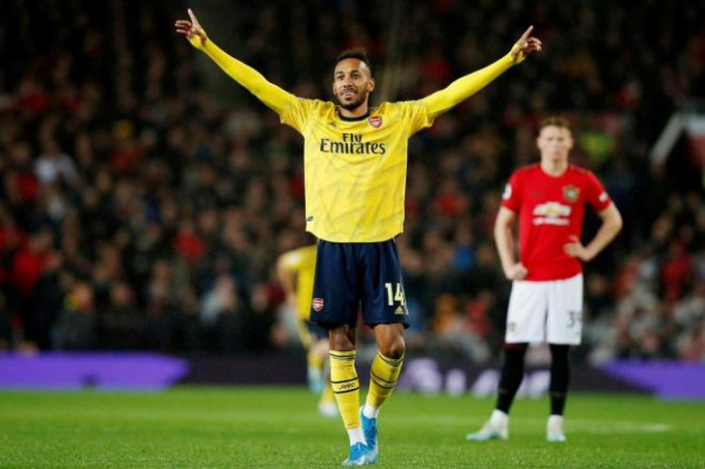 Auba matches 22-year-old record in Man Utd draw
