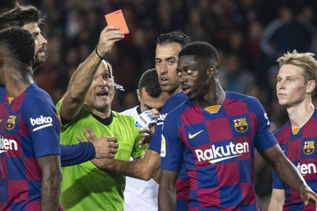 What Dembele said to the ref before red card