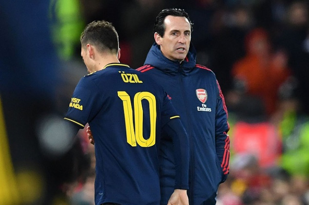 Arsenal fans have final say on Emery's future