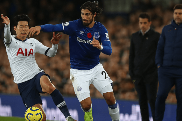 Everton boss gives update on Gomes' injury