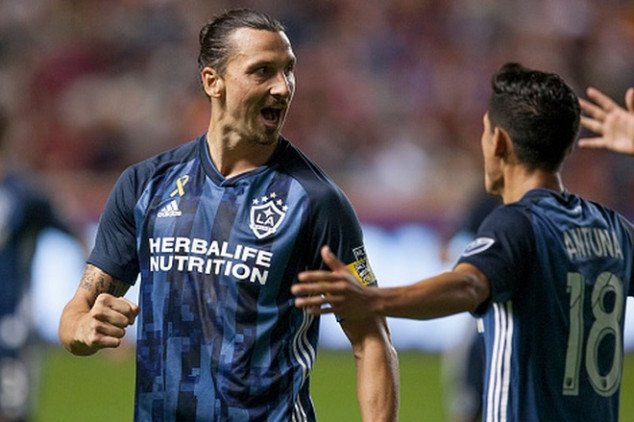 Zlatan set to join shock Serie A side