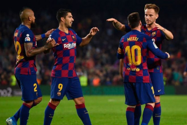 Barca rejects offer from EPL side for midfielder