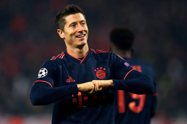 Lewandowski scores four to make UCL history