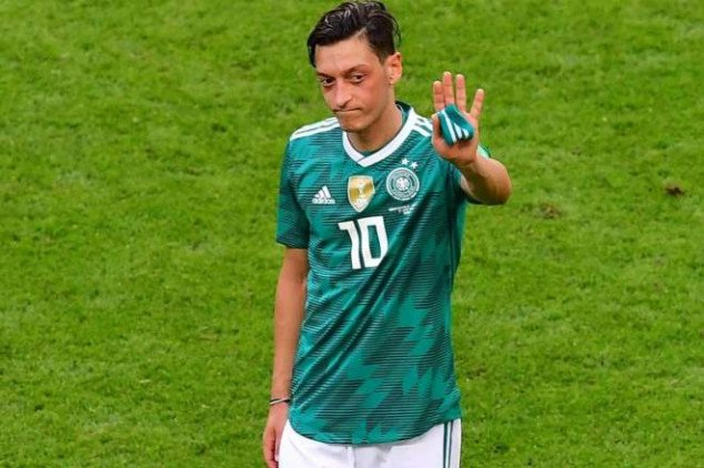 Why Ozil finaly quit German national team revealed