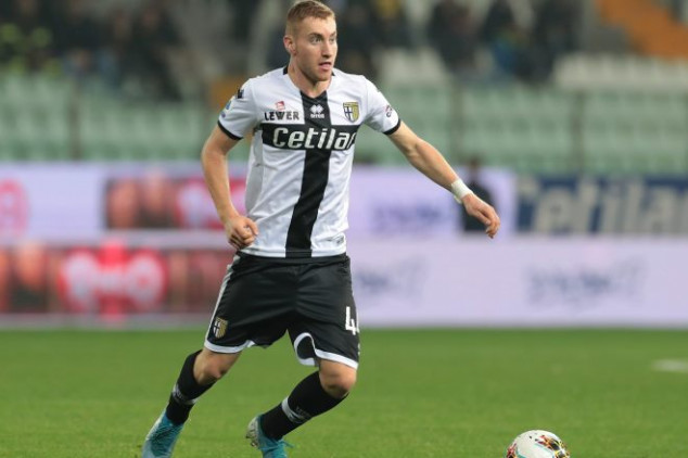 Juventus closes in on first winter signing