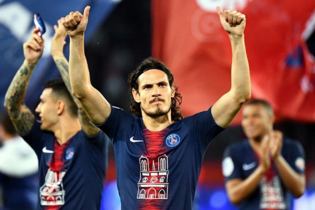 Cavani's parents share update on player's transfer