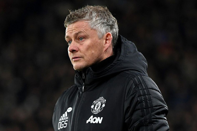 Man Utd hoping to have three players back vs City