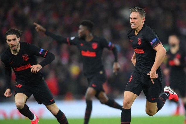 Man Utd and Arsenal battle for Atlético ace