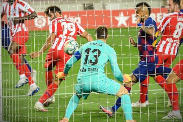 Costa scores own-goal and misses penalty vs Barca