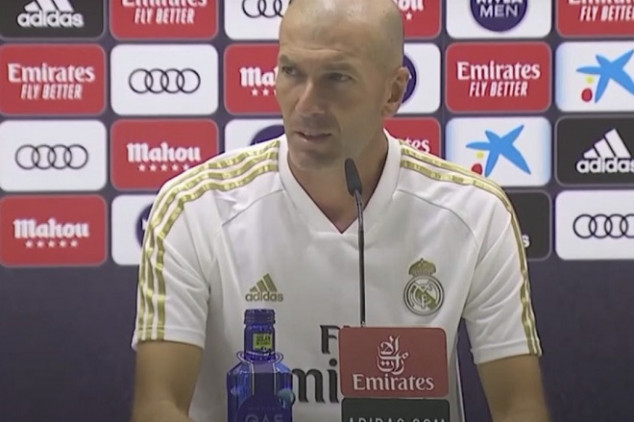 Zidane unhappy with question about Bale - Video