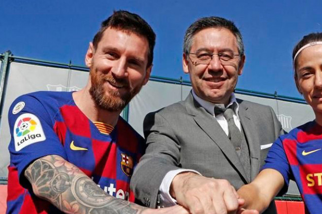 Barca break silence on Messi's transfer request