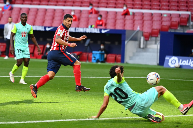 Suarez hits brace, assists one in Atletico debut