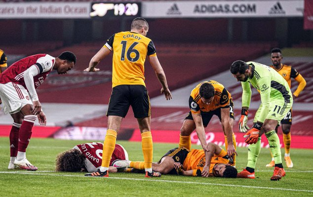 Jimenez suffers horrific injury vs Arsenal