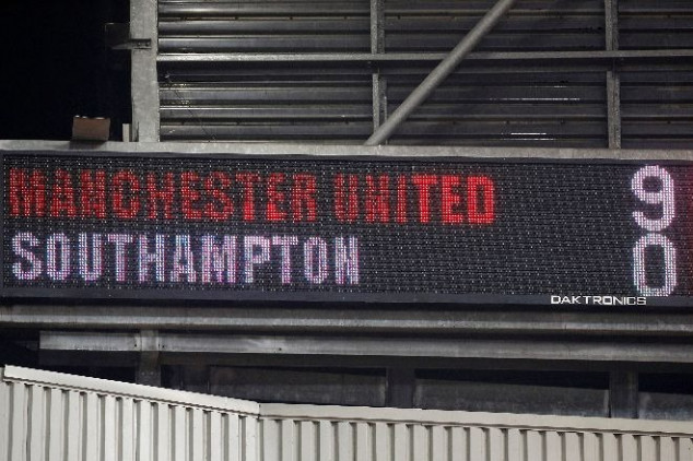 Manchester United hit Southampton for NINE