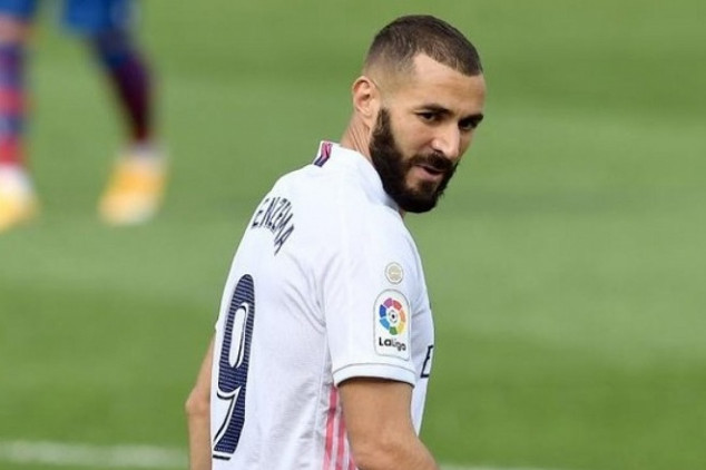 Benzema casts doubts over future with Los Blancos