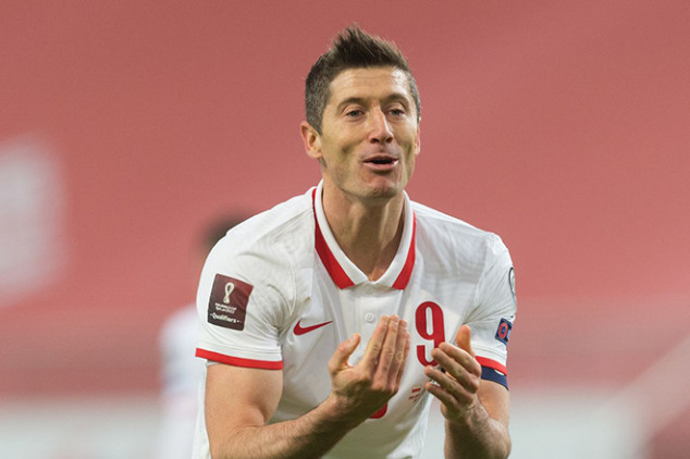 Lewandowski out for England clash