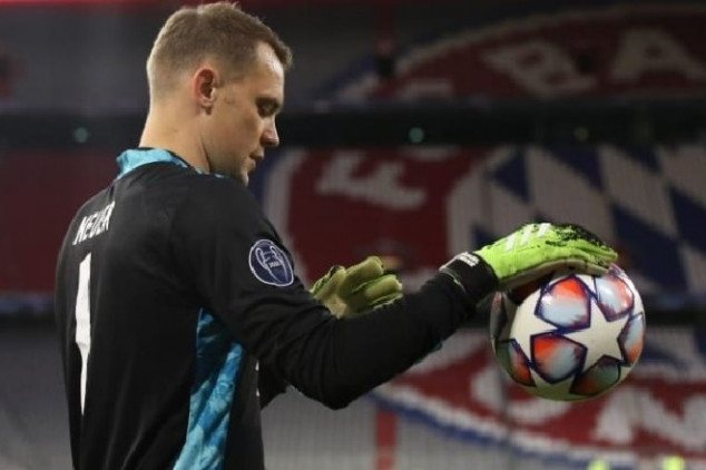 Neuer's howler paves the way for Mbappé's goal