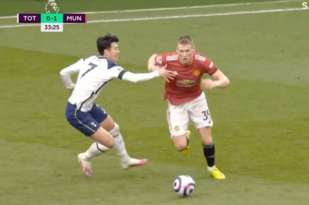 VAR's inconsistency questioned in Utd-Spurs clash