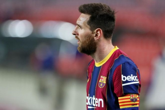 Barca prez issues update on Messi's future