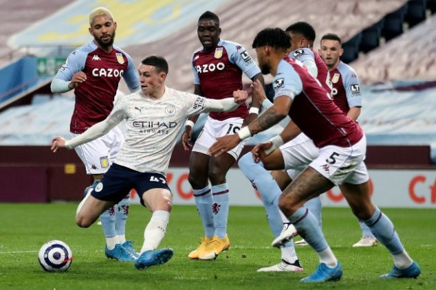 Foden shines as Man City close in on EPL title