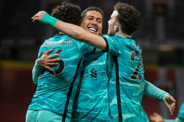 L'pool beats Man U away for 1st time in 7 yrs