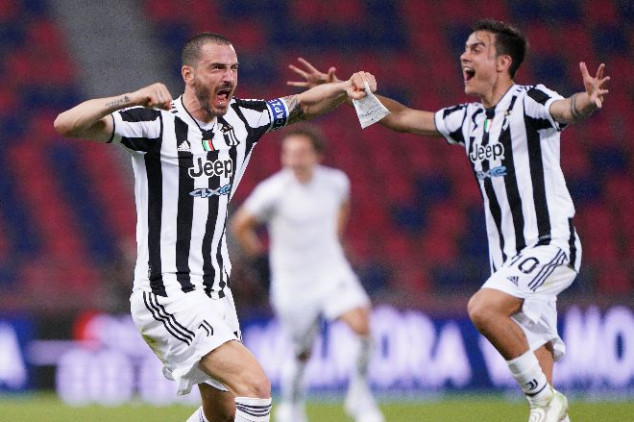 AC Milan and Juve secure UCL spot as Napoli slip