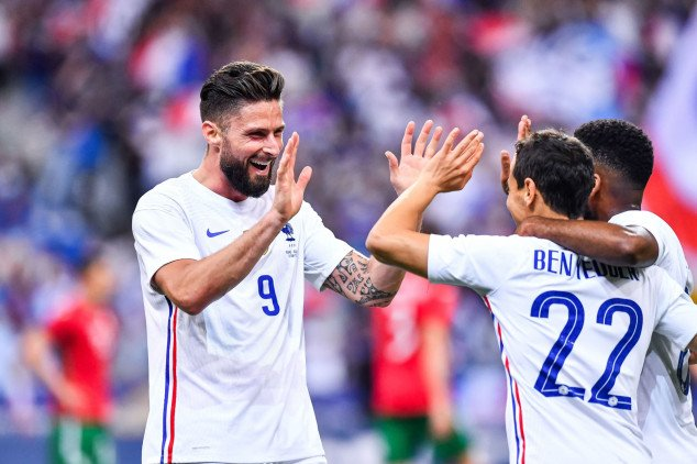 France: Olivier Giroud closes in on Henry's record