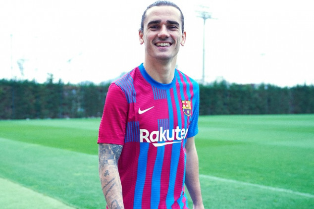 TOP OR FLOP? Barcelona unveil their 2021-22 kit