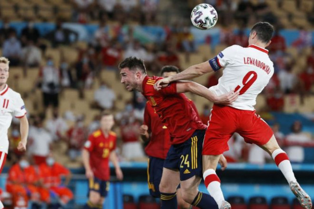 Spain on the brink of Euro 2020 exit after draw