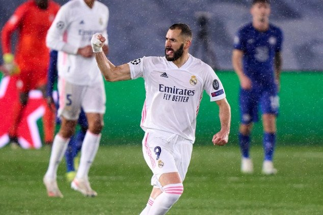 Benzema set to sign contract extension at R.Madrid