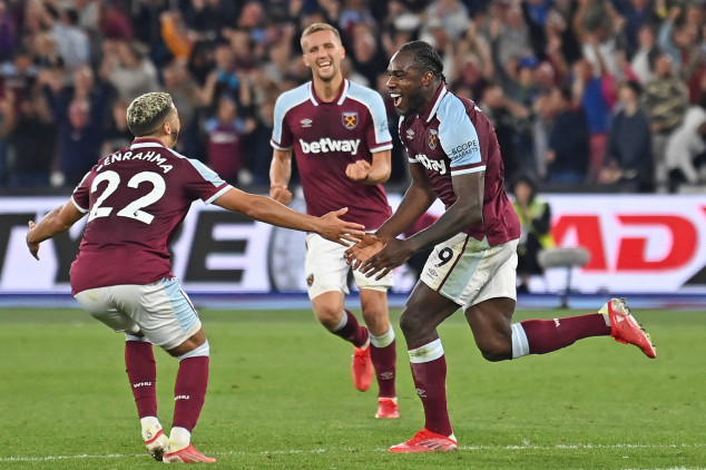 Antonio makes history as West Ham beat Leicester